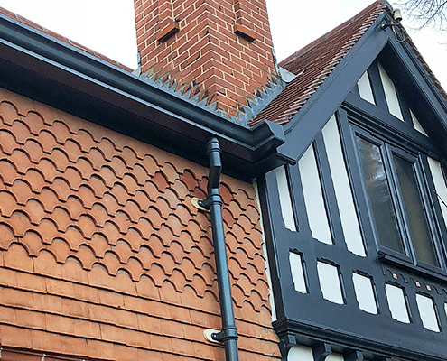 Aluminium moulded ogee and trad downpipes fitted by DIYer