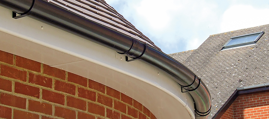 Curved beaded deep flow guttering