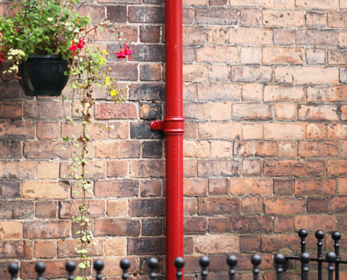 guttercrest aluminium traditional round cast downpipes in red park street oswestry