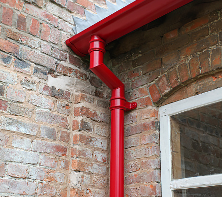 Victorian ogee with tradional downpipe and swan neck fitted to Georgian estate